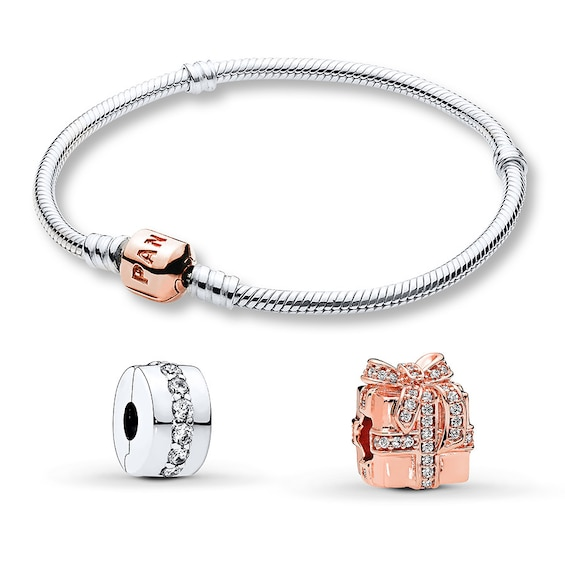 Pandora Christmas Gift Set: PANDORA Rose Holiday Sparkling Surprise Bangle Gift Set